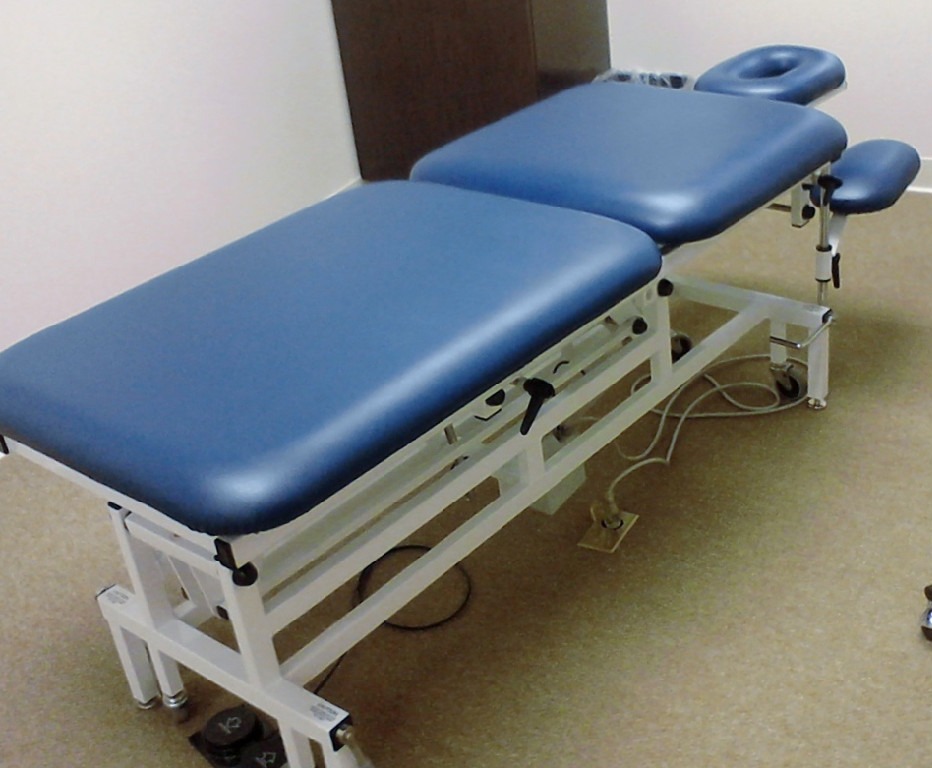 Camarillo Chiropractor Elite Therapy table